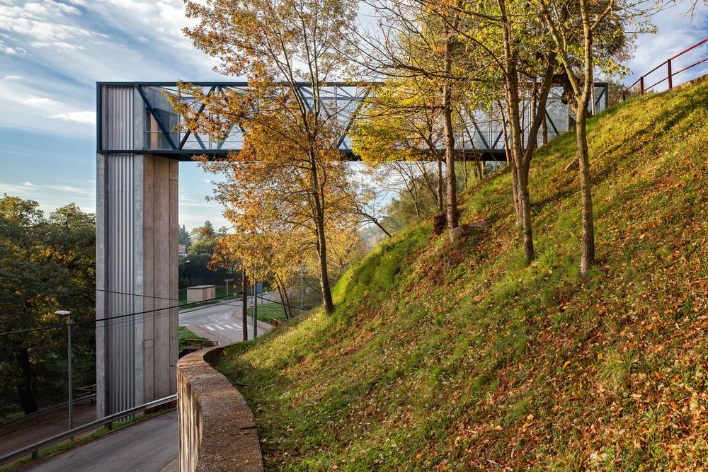 04 Ascensor i passera d'accés a edificis de Sant Daniel (Girona)