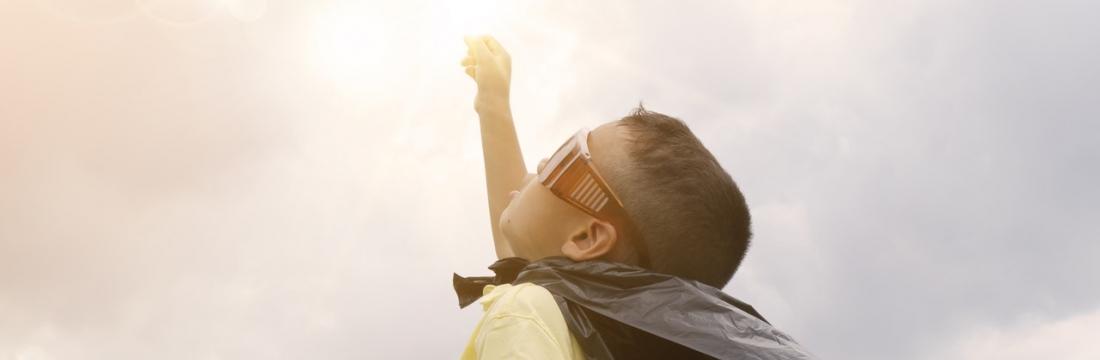 6 motius pels quals treballem el control de la miopia en nens i adolescents també amb lents de contacte