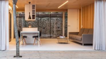 Interior de 4 apartaments  en ressort turístic construïts amb panells Genial Panel®