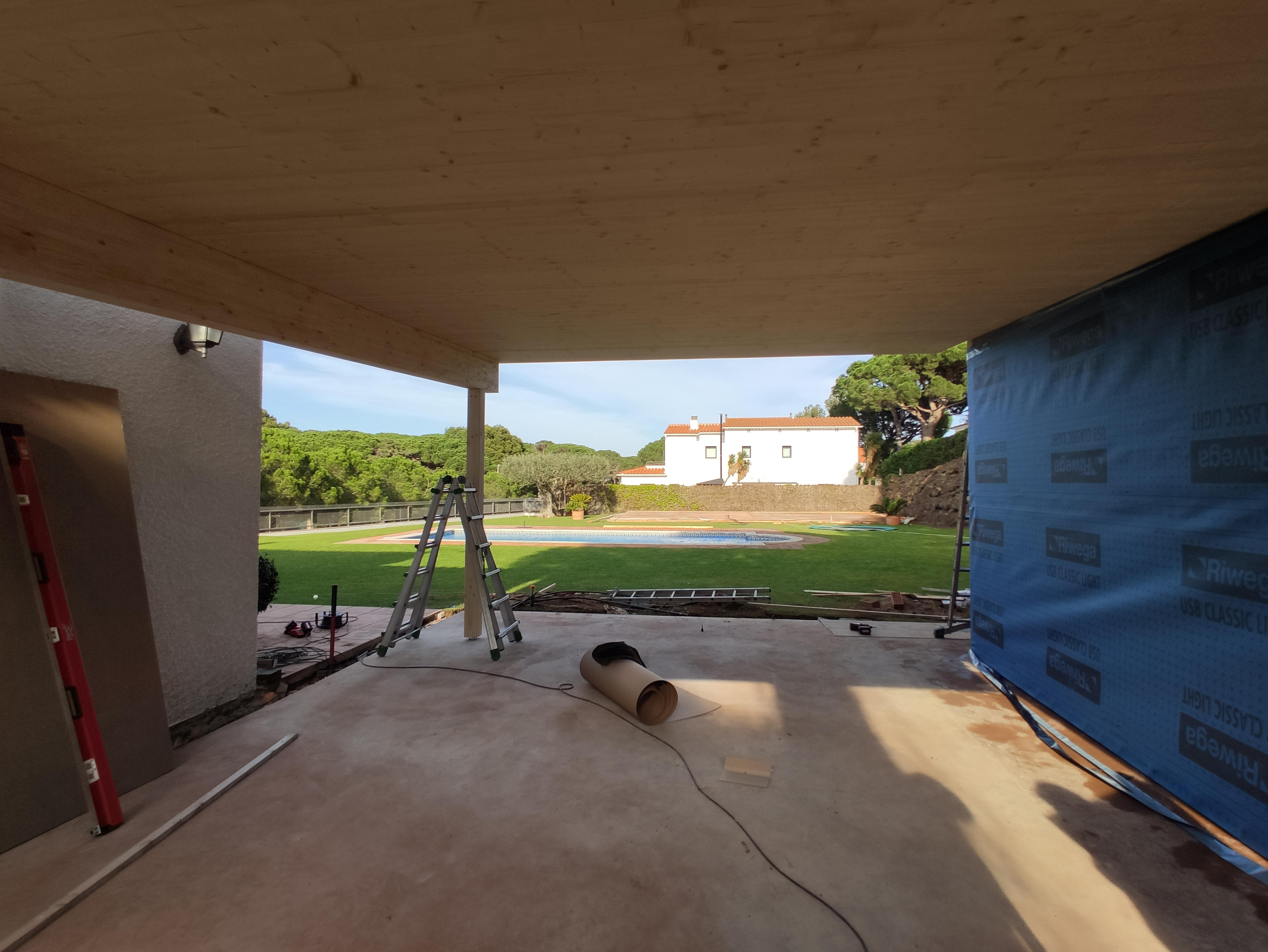 Ampliació d'una casa amb panells Genial Panel / Ampliación de una casa con paneles Genial Panel