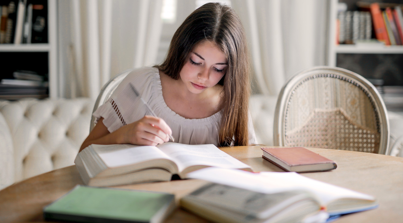 Per què només hi ha un 7'5% de referents femenins en els llibres de text? / ¿Por qué sólo hay un 7'5% de referentes femeninos en los libros de texto?