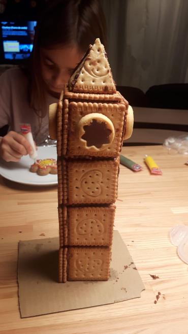 El Big Ben construït amb galetes i crema de cacau