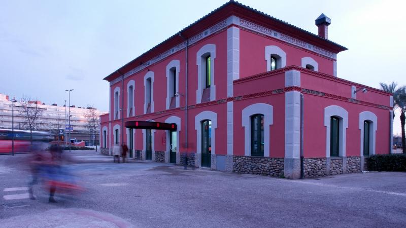 07 Espai jove a l'antiga estació del carrilet (Girona)